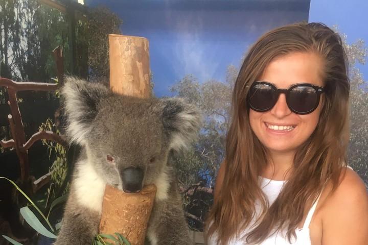 Karolina Papiernik with koala