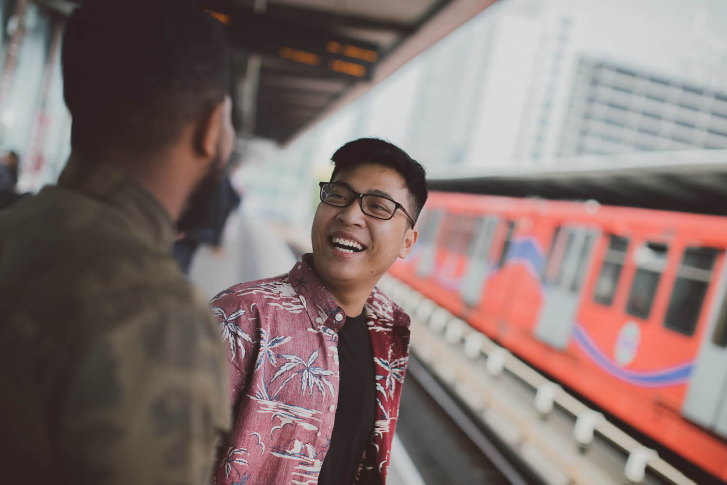 Two London students at the DLR